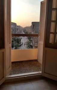Sunny private room in New Maadi with garden view - Lakás