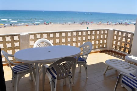 On the beachfront (for 7 people) - Oliva - Apartment