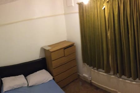 Spare room in flat, private garden