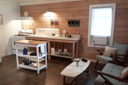 #4 Adorable Lake Cottage - Antioch - Cabane