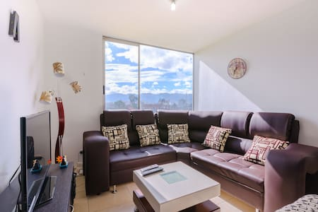 Perfect Private room close to the airport ! - Apartment
