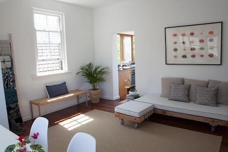 3 bedroom, 200 metres from the sea - Coogee - Lejlighed