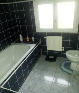 Chambre pour 2 pers.avec WC et bain - Bed & Breakfast