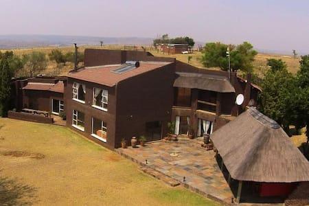 Game Farm - Cradle of Humankind - Krugersdorp - Rumah