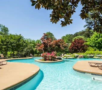 Beautiful Gated Apt 11 Mintues from Downtown ATL - Apartamento