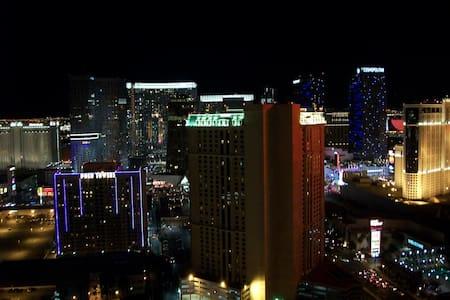 MGM Signature Penthouse right on Las Vegas Strip - Las Vegas