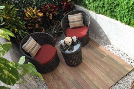 CENTRO 2 people, 1 room & patio - Appartement