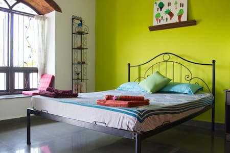 Simply Homestay - Ruk Room - Benaulim - Bed & Breakfast