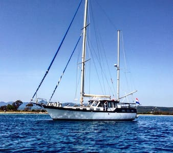 Luxury Motorsailer Pylos - Boot