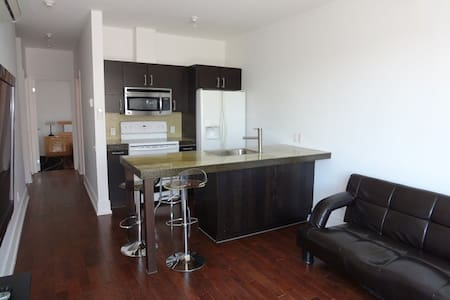 Condo steps away from Lachine canal/Atwater market - Montréal - Apartment