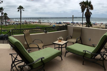 Ocean view room on the beach in OB. - San Diego - House
