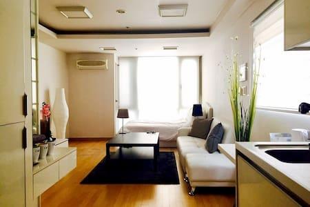 OPENING SALE!! LUXURY,COZY & PRIVATE APARTMENT #1 - Distrito de Seocho - Apartamento
