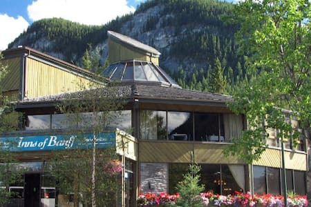 Inns of Banff - Banff - Bed & Breakfast