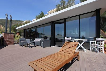 SEPTEMBER FROM 99 EURO/NIGHT + 3PAX + SEA VIEWS - Apartament
