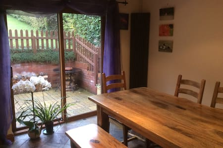 Chalet Style Bungalow - Loft room - High Wycombe - House