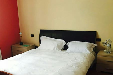 Cosy room; Flat near Milan Malpensa - Apartment