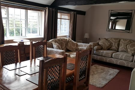 Otters' Lodge: Country cottage close to beaches - Domek parterowy