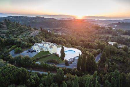 Hill House Corfu - Korfu