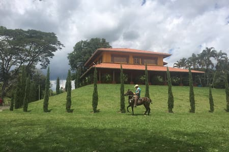 Finca en el Eje Cafetero Colombia! - Vila
