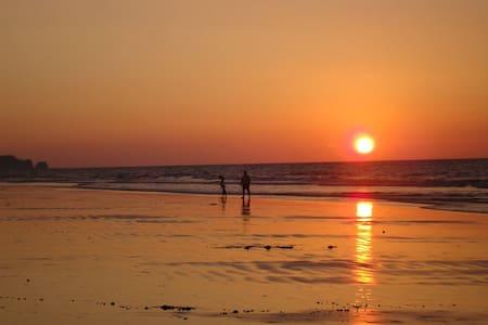 Incredible Tonsupa beach Apt.  Great sunset view - Tonsupa
