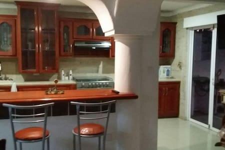 Residencia tipo Queretana (colonial) - Villahermosa