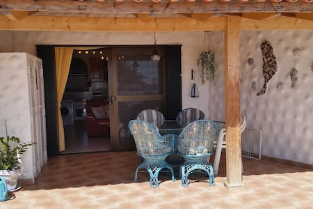 Bungalow mit 2 Schlafzimmern und riesiger Terrasse - Bungalow