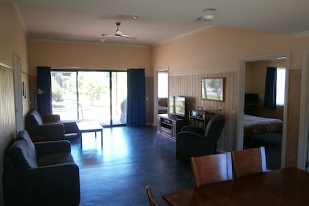 Ripples n Tonic Farm Stay Narrabeen - Ventnor - Villa