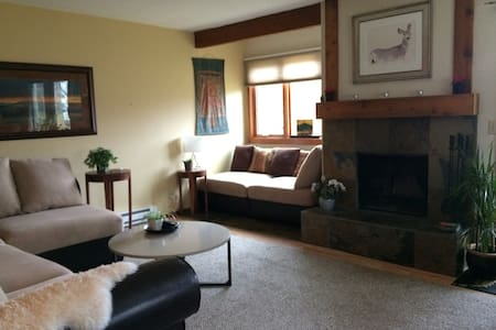 Sunny Aspens Condo Near JH Mountain Resort - Wilson