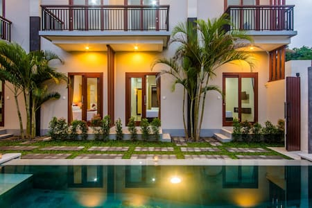 Valka Bali-Boutique Rooms Seminyak - Bed & Breakfast