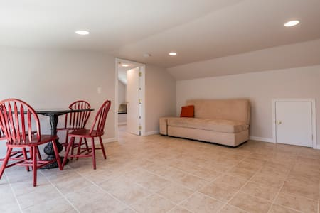 New detached 1 bdr apt, 1.5 bath - Toms River - Wohnung