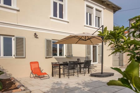 Apartment with a large terrace, Villa Adrienne - Appartement