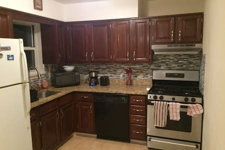 1BR Apt, in historical Morristown - Lakás