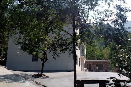 位于山西省陵川县锡崖沟村内的避暑之家(溪山居精品客栈) - Pis