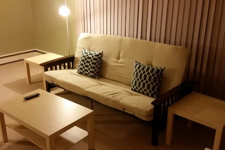 1 BD APT IN WEST OF DOWNTOWN, 5 - Lakás