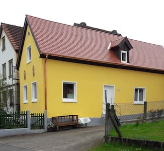 Antik, hell, stilvolles EG-Appartement Bamberg/Bug - Apartamento