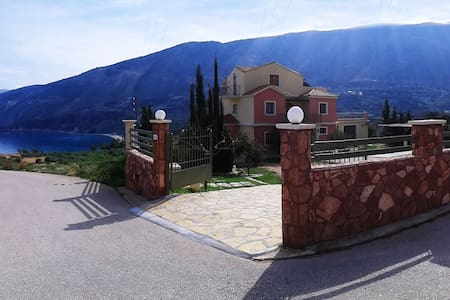 A sunny Maisonet 3b/r  Jacuzzi- spa - Villa