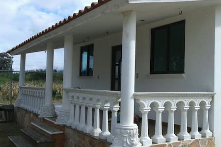 Nice house w/ garden, parking space close to CASA - Guadalupe Etla - Hus