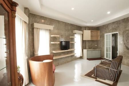 Pannawit luxury apartment, Free Wifi/ Electric - Muang Pattaya - Appartement