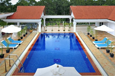 Upscale Condo with Pool and Gym - Krong Siem Reap - Lejlighed