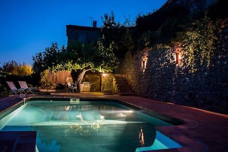 Maison dans les Cévennes avec piscine - Saint Sébastien d'Aigrefeuille - House