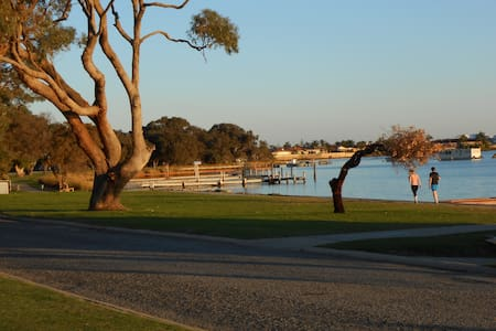 Mandurah Central Soldiers Cove Townhouse - Dudley Park
