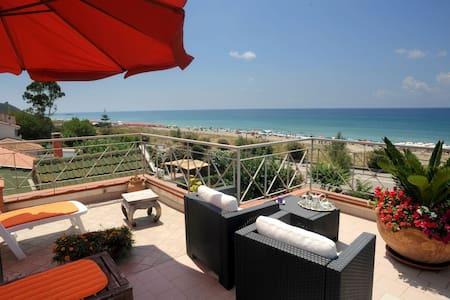 Casa vacanze Alice & Mari - Marina di Ascea