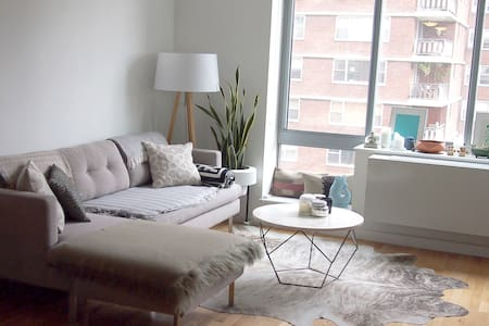Spacious Designer 1 Bdrm in Chelsea