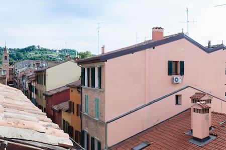 Casa Maltoni, luminous apartment in charming road - Bologna - Apartment