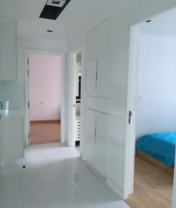 Top floor 3Bedrooms Designer Unit - Apartamento