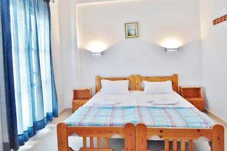 Cozy apartment close to the Sea - Agia Pelagia - Apartemen