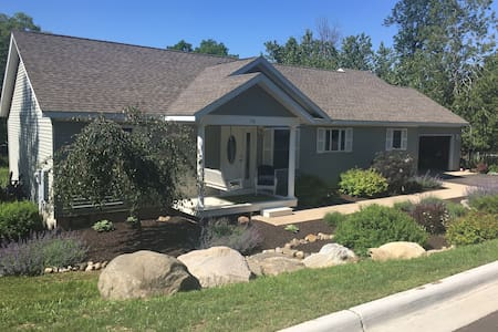 The Preserve-Beautiful, Newer Vacation Home - Boyne City