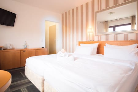 Hotelzimmer am Meer für bis zu 4 Pers - 2 bedrooms - Bed & Breakfast