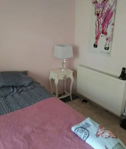A great spacious db, close 2 Quay. - Appartement