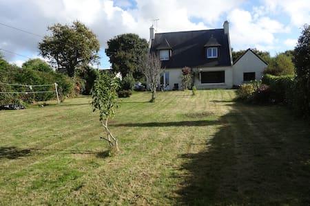 Maison spacieuse proche de la mer - Plougastel-Daoulas